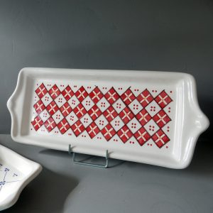Plat à cake faïence Ponchon motif rouge